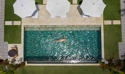 Bể bơi sân vườn gia đình